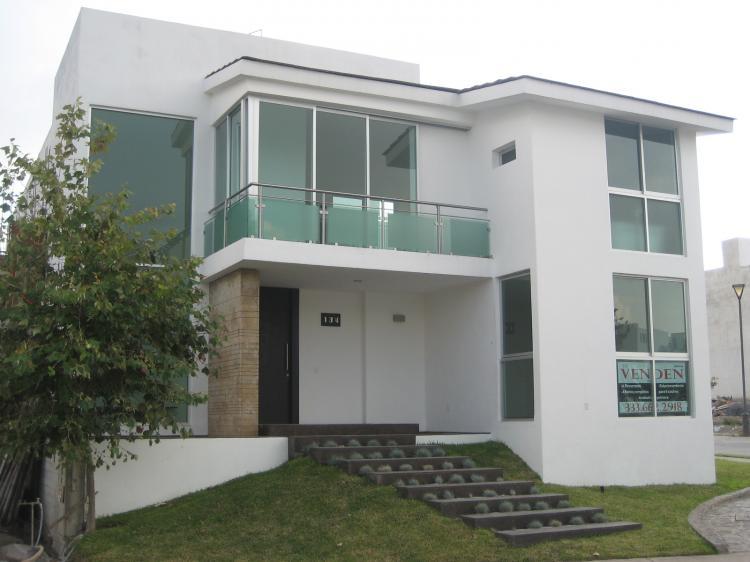 Lujosa residencia casa en coto privado puerta plata cav15336 for Casa minimalista la plata