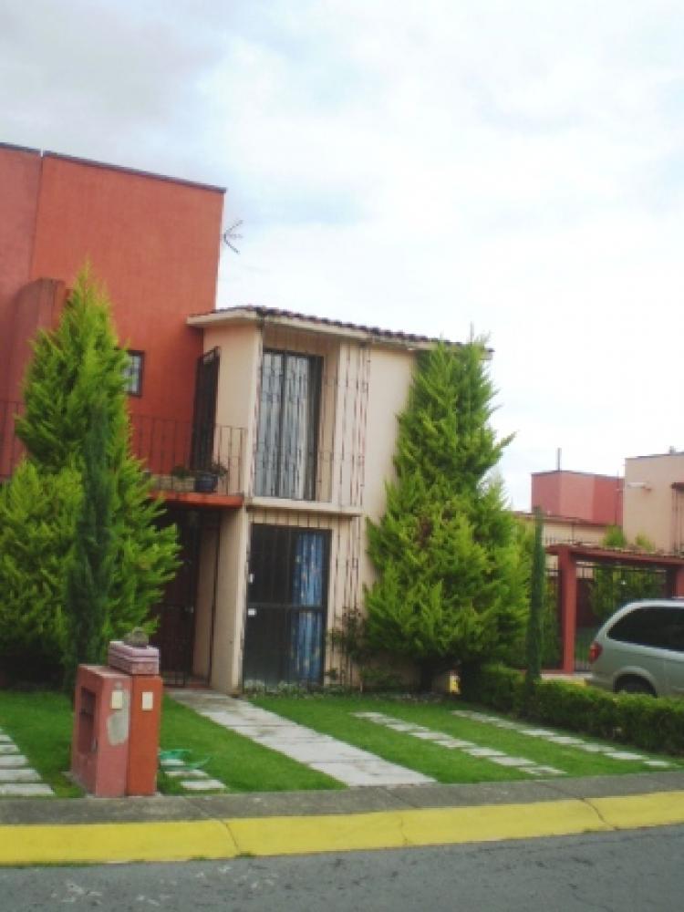 Casa en venta fraccionamiento olimpo toluca 945 for Jardines de olimpo