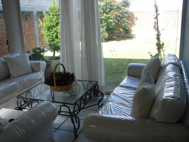 Oportunidad venta de casa en gran jardin leon gto cav26674 for Casas en venta en gran jardin leon gto