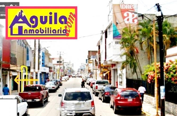 Foto LOCAL EN LA PRINCIPAL CALLE COMERCIAL DE COMALCALCO: AV. JUAREZ.