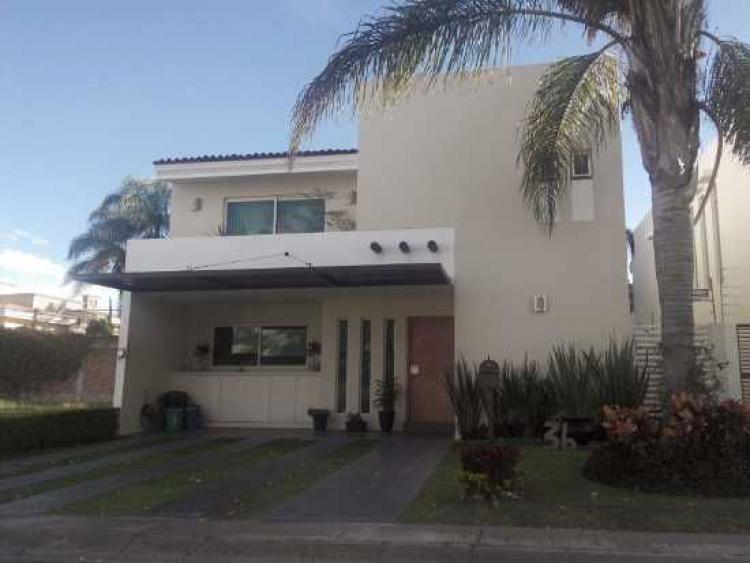 Preciosa Casa En Sur De Guadalajara En El Manantial Cerca