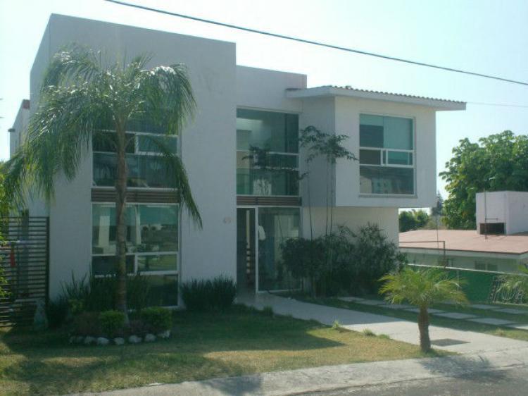 Preciosa casa estilo minimalista cav99982 for Casas estilo minimalista