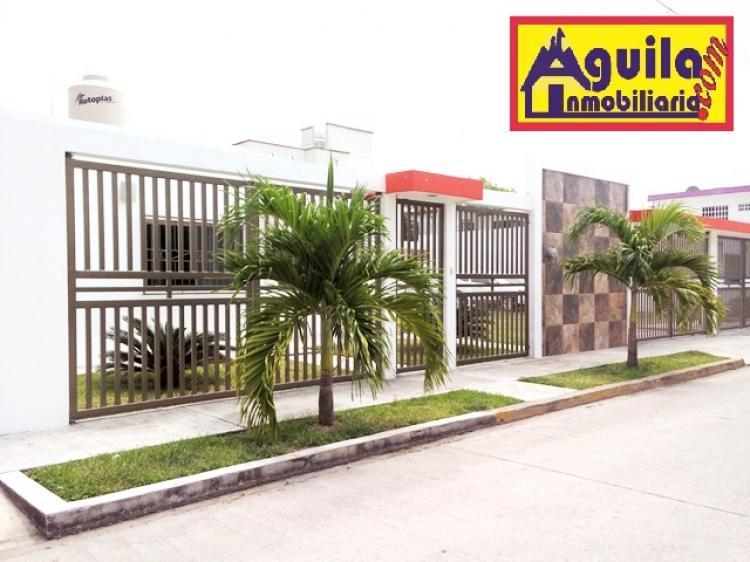 renta casa moderna en colonia exclusiva const 120m2 terr