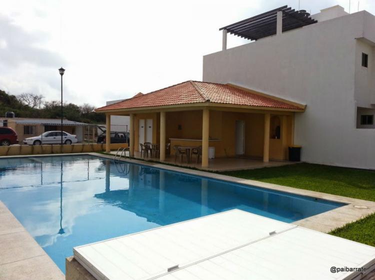 Rento casa tipo minimalista en fraccionamiento puerto for Casa minimalista veracruz