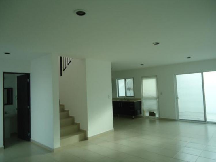 Se renta casa en irapuato gto fracc misi n car103167 for Casas en renta en irapuato