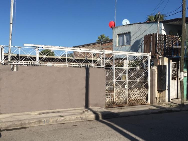 Se vende casa en la Colonia Roberto de la Madrid