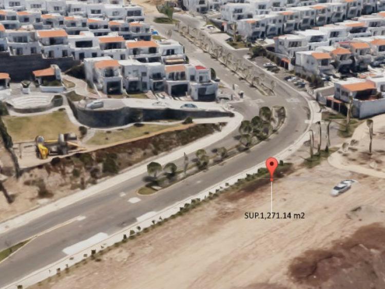 Foto Se vende terreno con vista al mar en el Fracc. Puesta del Sol, Tijuana
