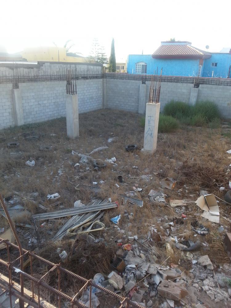 Terreno en jardin dorado con cimientos tev109242 for Casa en venta en jardin dorado tijuana