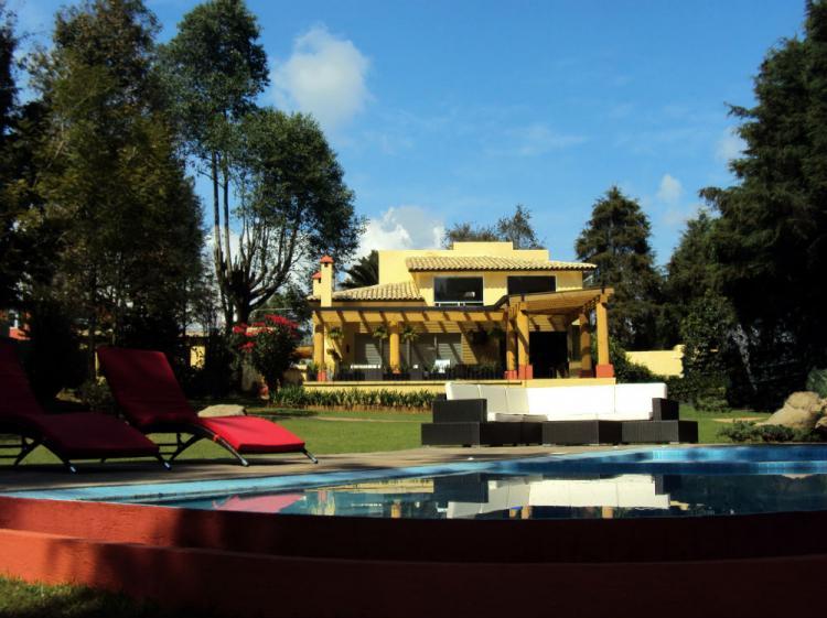 Valle de bravo casas nuevas en exclusivo condominio cav23670 for Casas en valle de bravo