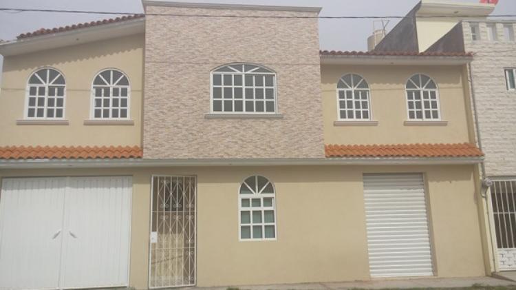 Renta casa en rinconada del valle toluca car43025 Modelo de casa con local comercial