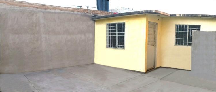 Casa de interes social en fracc real victoria cav17013 for Renta de casas en durango
