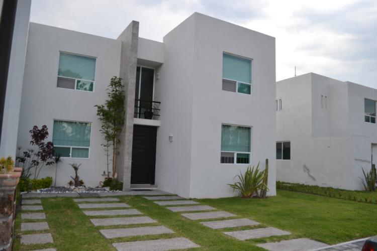 Venta de casa residencial estilo minimalista cav82629 for Casas pequenas estilo minimalista
