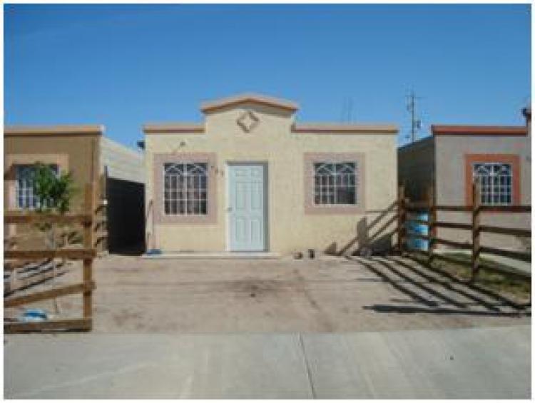 Traspaso casa en victoria residencial entrada principal for Renta de casas en mexicali
