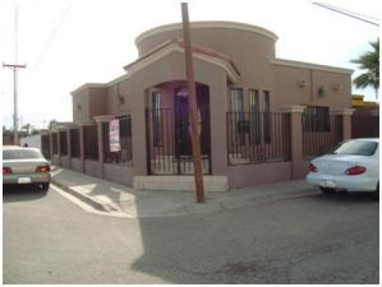 Vendo casa en villanova esquina tratamos precio cav22169 for Casas contemporaneas en esquina