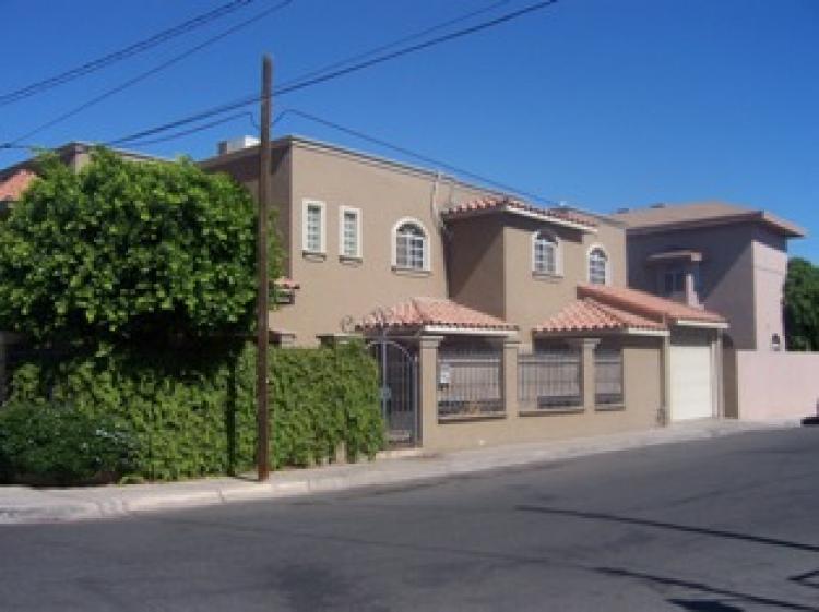 Casa en venta en mexicali vistahermosa 4 recamaras u d for Renta de casas en mexicali