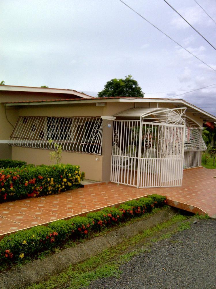 Vendo mi casa de 3 recamaras tanque de agua potable for Casas con balcon y terraza