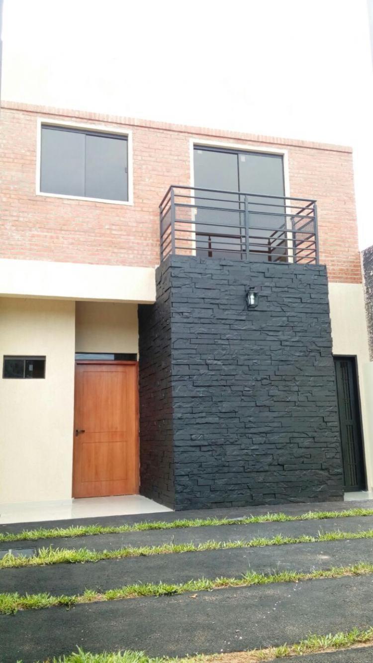 Vendo hermoso duplex en centro de san lorenzo duv503 for Construccion de piscinas en paraguay