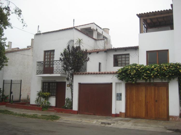 Hermosa casa en venta con vista al mar limite barranco for Casa costa costo area della baia
