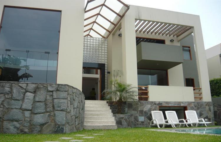 Pin decora fachadas casas modernas terreas ajilbabcom for Casas modernas lima