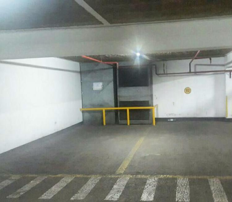 Alquiler De Cochera En San Isidro Cca13773