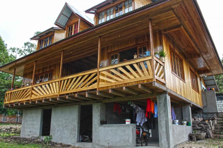 Casa en venta madera y dise o al mejor estilo oxapampino - Venta de casas de madera en sevilla ...