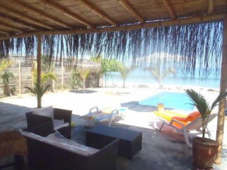 Arriendo temporal de casas de playa frente al tibio mar de for Casas en alquiler en la playa con piscina
