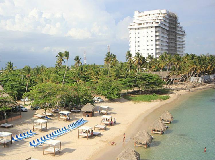 Fotos de apartamento dede us 98 000 con playa y piscina en for Apartamentos con piscina y playa