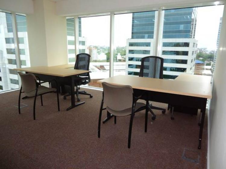 Oficinas en el world trade center totalmente equipadas ofa3881 for Oficinas equipadas