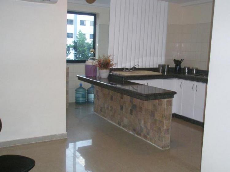 Apartamento en venta en valencia 77 m2 2 habitaciones for Cocinas paralelas