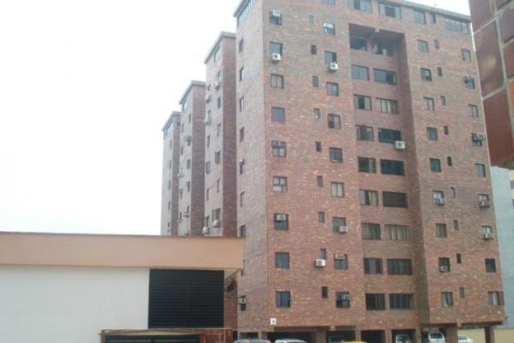 Apartamento en alquiler en valencia frente al c c patio trigal 80 m2 3 habitaciones bsf 4500 - Apartamento valencia alquiler ...