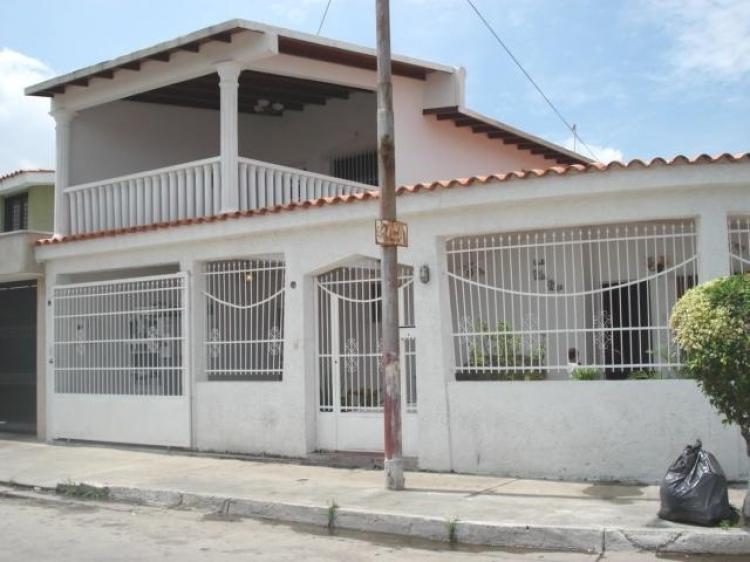 Casa En Venta En Cagua Cagua 250 M2 4 Habitaciones Bsf