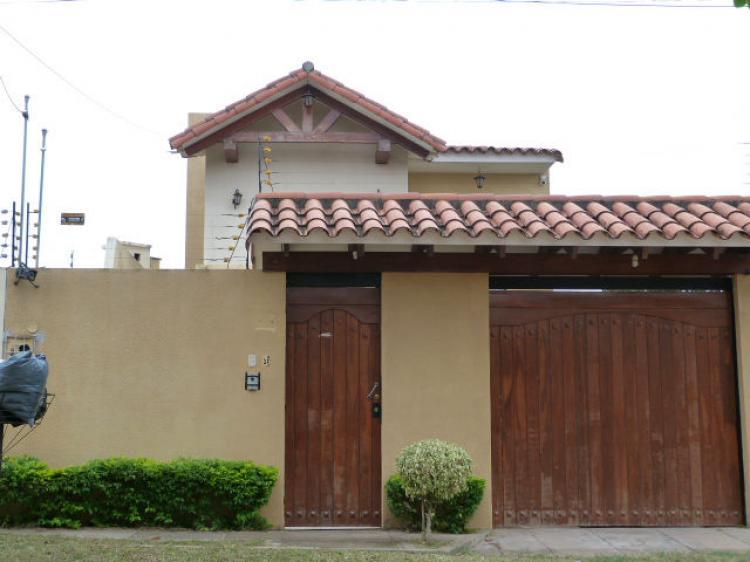 Casa en venta zona norte cav632 for Casa la mansion santa cruz bolivia
