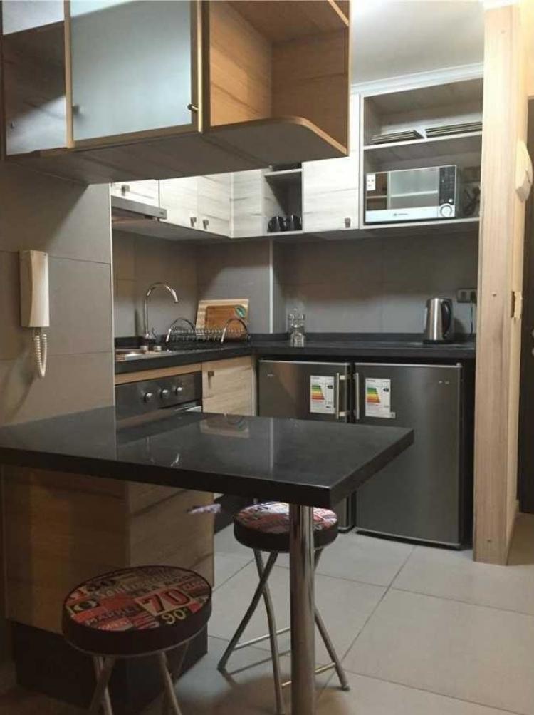 Dormitorio con living y cocina americana dea66531 for Cocinas de departamentos
