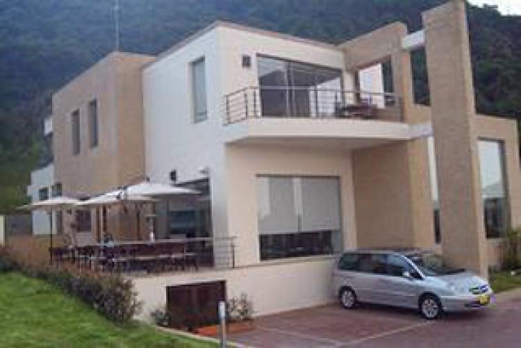 Foto Vendo o Arriendo Fabulosa Casa Aposentos Amoblada! CAA13132 38229a8a6f2