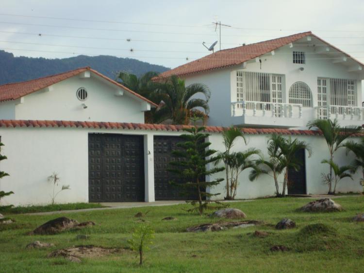 Casa Para La Venta En Conjunto Cerrado Chinauta Cav24278
