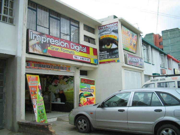 Excelente Ubicacion Para Negocio Casa De Dos Plantas Sobre Avenida