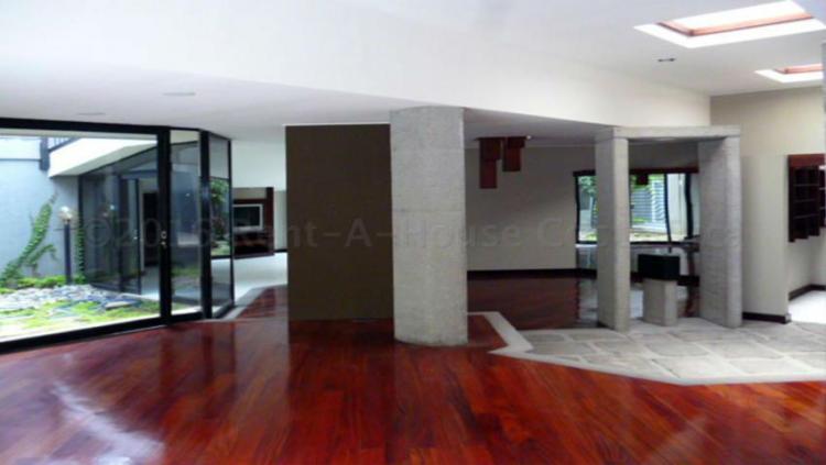 Alquiler o venta de lujosa casa con incre bles interiores for Busco casa en alquiler