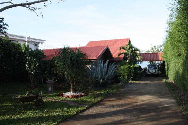 Foto Casa en Venta en Desamparados, Alajuela - 1562 m2 - U$D 270.000 - CAV13962 - BienesOnLine