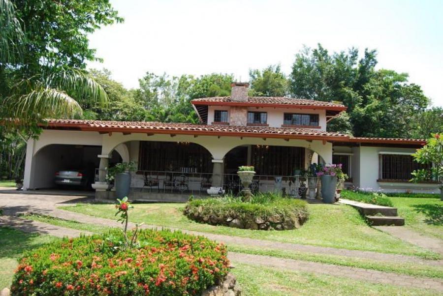 Foto Casa en Venta en Garita, Alajuela, Alajuela - 350 m2 - U$D 1.350.000 - CAV24704 - BienesOnLine