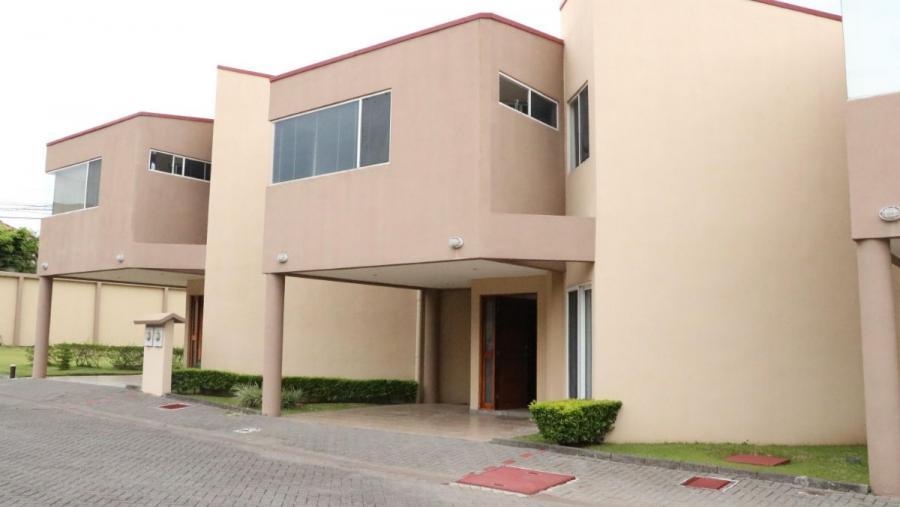 Foto Casa en Venta en Santa Ana, San Jos� - U$D 173.000 - CAV31728 - BienesOnLine