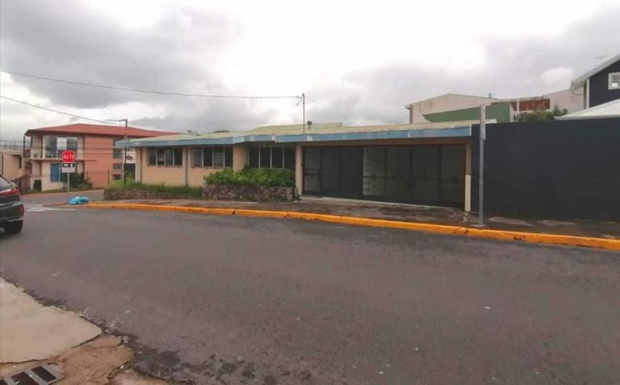 Foto MLS 19-1295 Venta de hermosa casa en Heredia  CAV20159