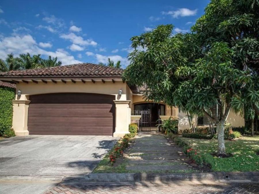 Foto Casa en Venta en Santa Ana, San Jos� - U$D 450.000 - CAV31927 - BienesOnLine