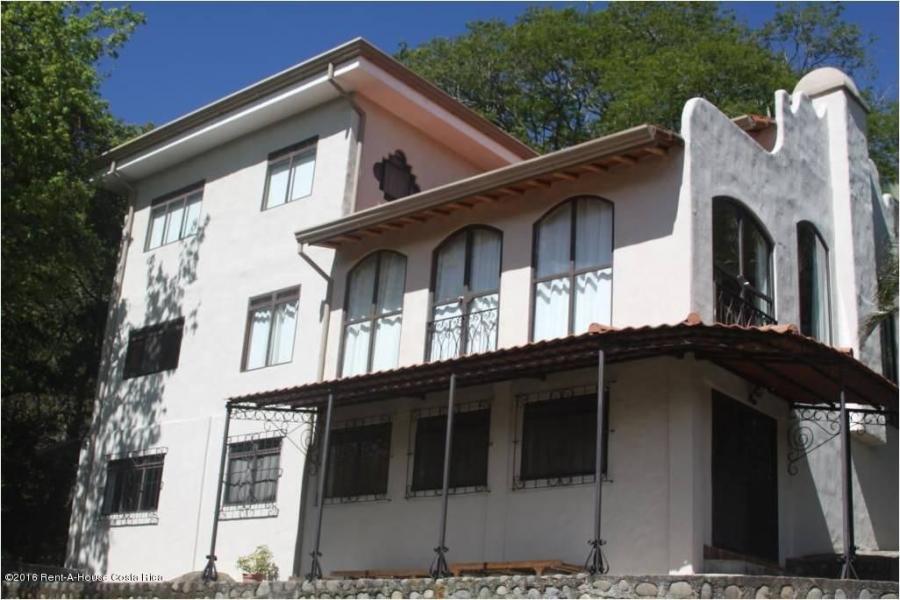 Foto Casa en Venta en Santa Ana, San Jos� - U$D 620.000 - CAV31864 - BienesOnLine