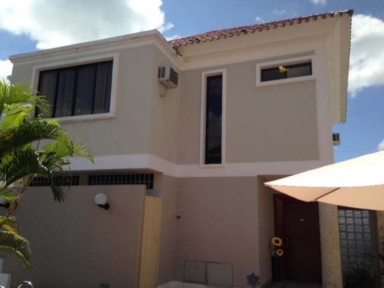 Casa en puerto azul de oportunidad cav16759 for Casas con piscina guayaquil