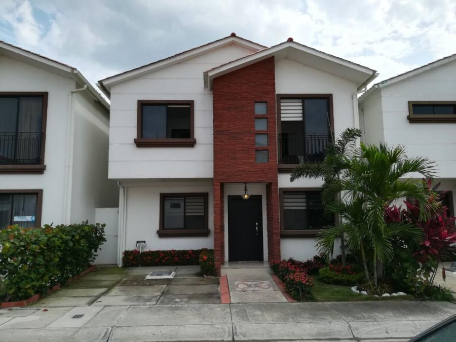 Foto Casa en Venta en La Aurora Satelite, Daule, Guayas - 153 m2 - U$D 160.000 - CAV30330 - BienesOnLine