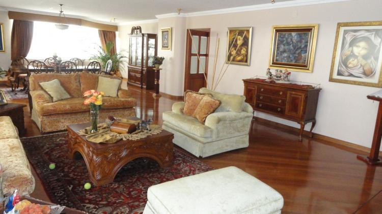 Foto Departamento en Venta en Quito Tenis, El Bosque, Pichincha - U$D 385.000 - DEV9747 - BienesOnLine