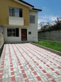 Casa en Venta en Selva Alegre Quito