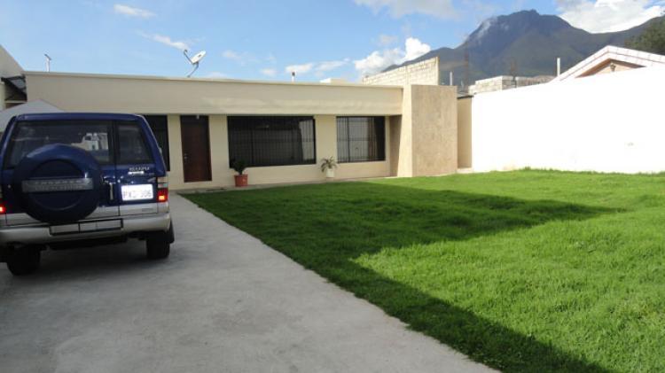 Foto Casa en Venta en Otavalo, Imbabura - U$D 180.000 - CAV13663 - BienesOnLine