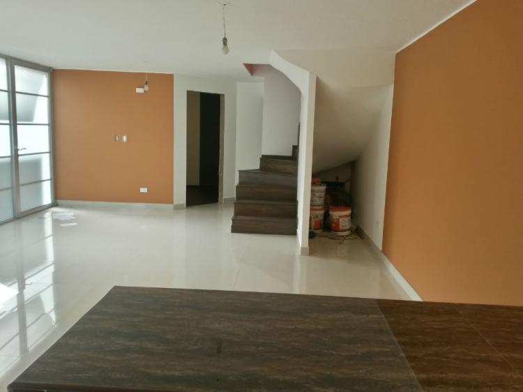 Foto Casa en Venta en Quito, El Bosque, Pichincha - U$D 125.000 - CAV23418 - BienesOnLine