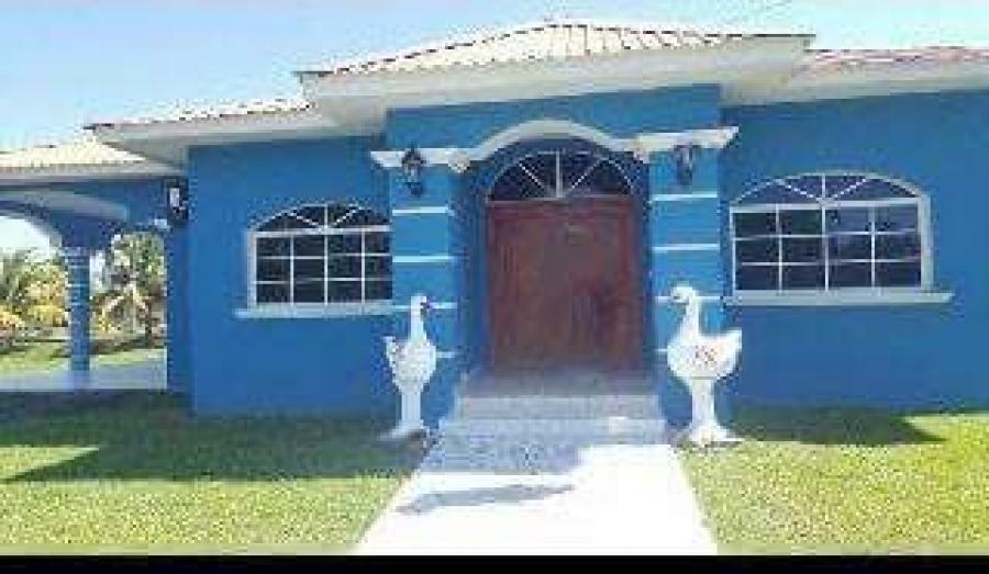 Foto Casa en Venta en Tela, Atl�ntida - U$D 200.000 - CAV1150 - BienesOnLine